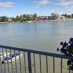 Vista del río desde el balcón de la habitación