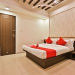 OYO 12147 Hotel Vibrant