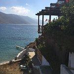 Foto de Levrossos Beach Tavern