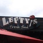 Foto de Lefty's Restaurant