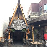 Фотография Grizzly House Restaurant
