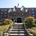 Grand Summit Hotel