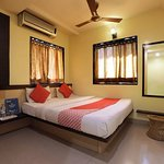 OYO 4185 Hotel Sachin Excellency
