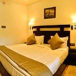OYO 6645 Hotel Sapphire