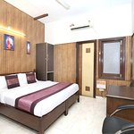 OYO 2130 Hotel HK Continental