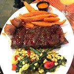 Photo de Bourbon Street Bar & Grille