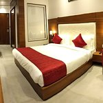 Hotel Highway Inn