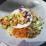 Bibimpap aux oeufs fermierset tofu, Plat végétarien