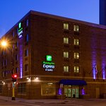 ‪Holiday Inn Express Minneapolis Downtown (Convention Center)‬