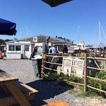 Photo de Sesuit Harbor Cafe