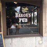 Foto de Baron's Pub