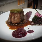 Beef fillet tender loin with marrow crust.