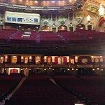 صورة فوتوغرافية لـ The Chicago Theatre