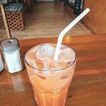 Photo de Baan ThaTien Cafe