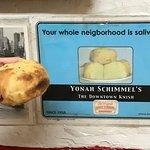 Foto de Yonah Schimmel's Knishes Bakery