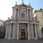 Fachada da Igreja de San Carlo Barromeo.