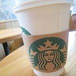 Photo de Starbucks - Monge