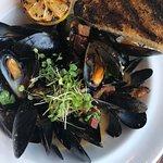 Mussels in Ale Brodo