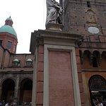 Statua di San Petronio foto