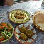 Tala Hummus and Falafelの写真