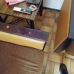 meubilair helemaal doorgezakt en 40 jaar oud waarscshijnlijk