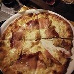 Trattoria Pizzeria La Parataの写真