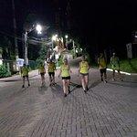 Grupo de corrida, descendo o morro do Boa Vista, após ter subido correndo.