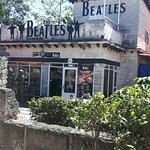 Photo de Beatles Bar