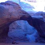 Photo de Sand Dune Arch