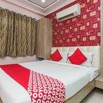 OYO 2403 Hotel Aamantran Avenue