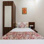 OYO 13376 Hotel Shri Vilas