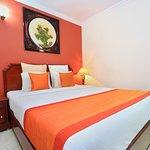OYO 4452 Hotel Pigeon International