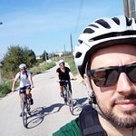TASTE and GO! BIKE TOUR Near Barcelona, ​​in the Penedès, a different bicycle tourism experience