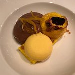 """""""Polentina"""" con gelato alla vaniglia e mousse di cioccolata"""