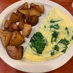 Spinach & Cheese Omelette w/ Hash Browns