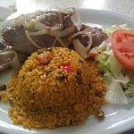 Steak, arroz guisado, excelente, muy buen sabor!