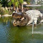 Динозавры выполнены довольно натуралистично, некоторые дети боялись