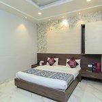 OYO 7044 Hotel Megha