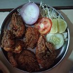 Must try in madgaon near station. Cheap food with gud taste. Tried surmai fry and prawns fry wit