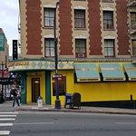 Honey Honey Cafe & Crepery Foto