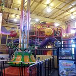 Family Fun Center and Bullwinkle's Restaurant 사진