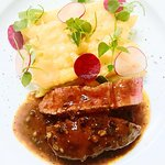 Australian beef tenderloin with pepper sauce & cheesy penne gratin