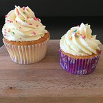 Home-made Vanilla Cup Cakes ; Large or Mini