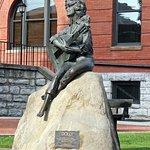 Φωτογραφία: Dolly Parton Statue
