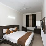 OYO 3773 Hotel City Square and Suites Agra