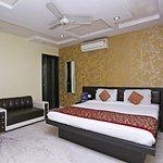 OYO 9236 9 Star Hotel