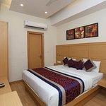 OYO 5244 Galaxy Rooms