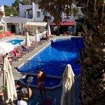 Hotel Serhan pool area
