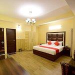 OYO 10942 Home Inn