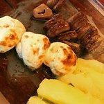queijinho de búfala muito gostoso, coraçãozinho o tempero é inigualável, a mandioca nem se fala